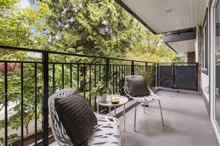 """Photo 9: 203 1484 CHARLES Street in Vancouver: Grandview Woodland Condo for sale in """"LANDMARK ARMS"""" (Vancouver East)  : MLS®# R2613737"""