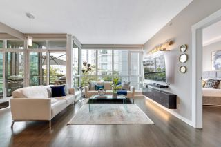 """Photo 1: 302 1189 MELVILLE Street in Vancouver: Coal Harbour Condo for sale in """"THE MELVILLE"""" (Vancouver West)  : MLS®# R2611872"""