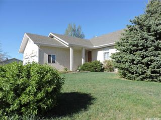 Photo 2: 29 Caldwell Drive in Yorkton: Weinmaster Park Residential for sale : MLS®# SK856115