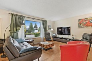 Photo 4: 221 Dalcastle Close NW in Calgary: Dalhousie Detached for sale : MLS®# A1148966