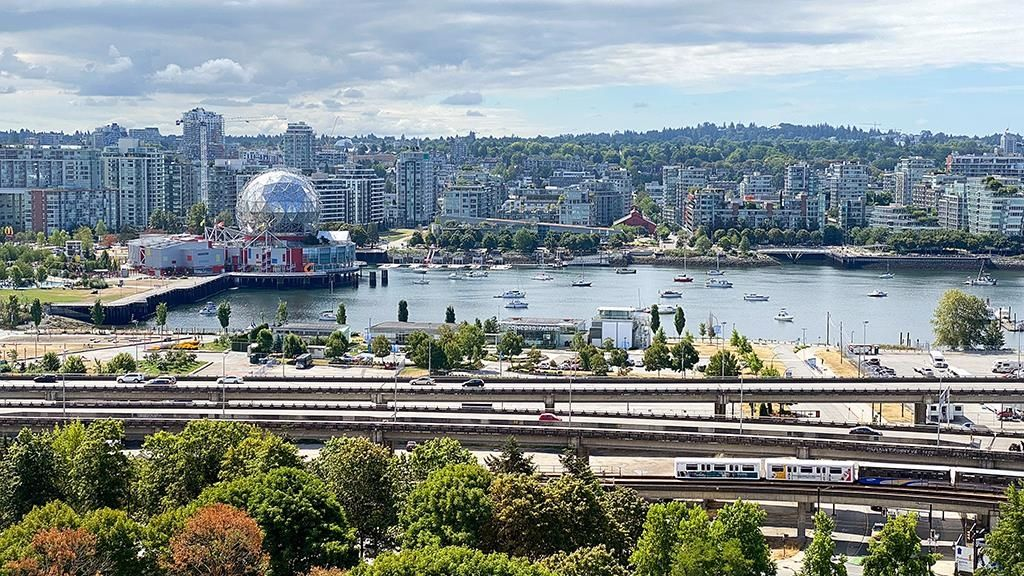 """Main Photo: 2201 550 TAYLOR Street in Vancouver: Downtown VW Condo for sale in """"Taylor"""" (Vancouver West)  : MLS®# R2608847"""