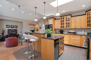 Photo 12: 260 Stratford Dr in : CR Campbell River Central House for sale (Campbell River)  : MLS®# 880110