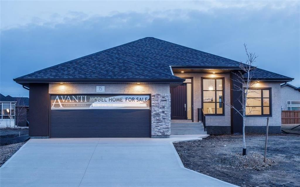 Main Photo: 15 Prairie Grass Lane in Oak Bluff: RM of MacDonald Residential for sale (R08)  : MLS®# 202000930