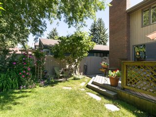 Photo 4: 36 PUMP HILL Mews SW in Calgary: Pump Hill House for sale : MLS®# C4128756