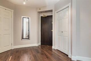 Photo 2: 602 200 LA CAILLE Place SW in Calgary: Eau Claire Apartment for sale : MLS®# C4261188