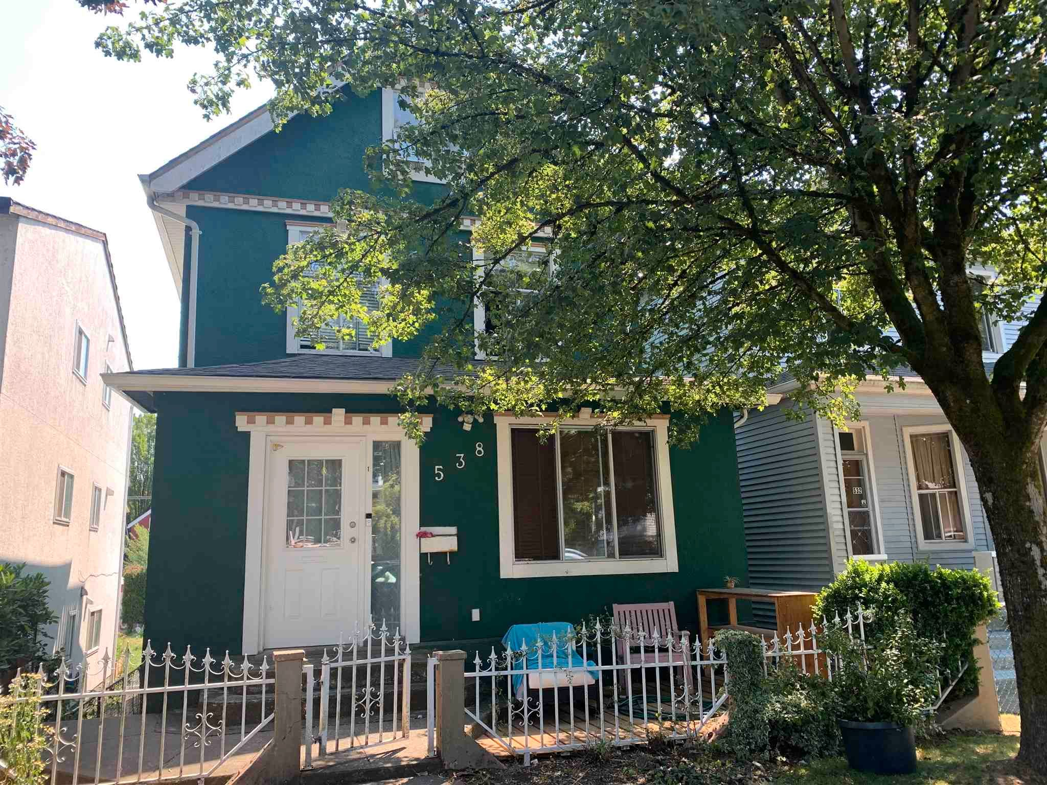 Main Photo: 538 UNION Street in Vancouver: Strathcona Fourplex for sale (Vancouver East)  : MLS®# R2598474