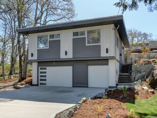 Photo 1: 1542 Athlone Dr in : SE Cedar Hill House for sale (Saanich East)  : MLS®# 886983
