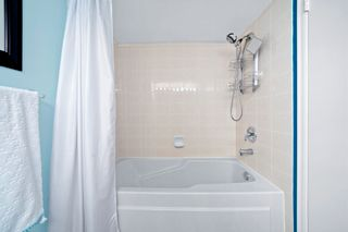 """Photo 25: PH4 98 TENTH Street in New Westminster: Downtown NW Condo for sale in """"Plaza Pointe"""" : MLS®# R2613830"""