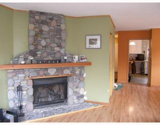 """Photo 4: 25 41450 GOVERNMENT Road: Brackendale Townhouse for sale in """"EAGLE VIEW PLACE"""" (Squamish)  : MLS®# V756865"""