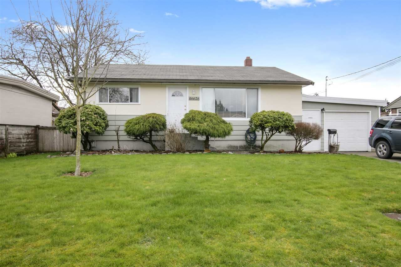 Main Photo: 46626 FRASER Avenue in Chilliwack: Chilliwack E Young-Yale House for sale : MLS®# R2565870