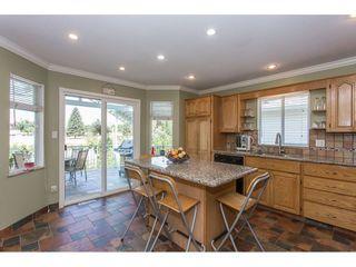 Photo 3: 20545 120B Avenue in Maple Ridge: Northwest Maple Ridge House for sale : MLS®# R2198537