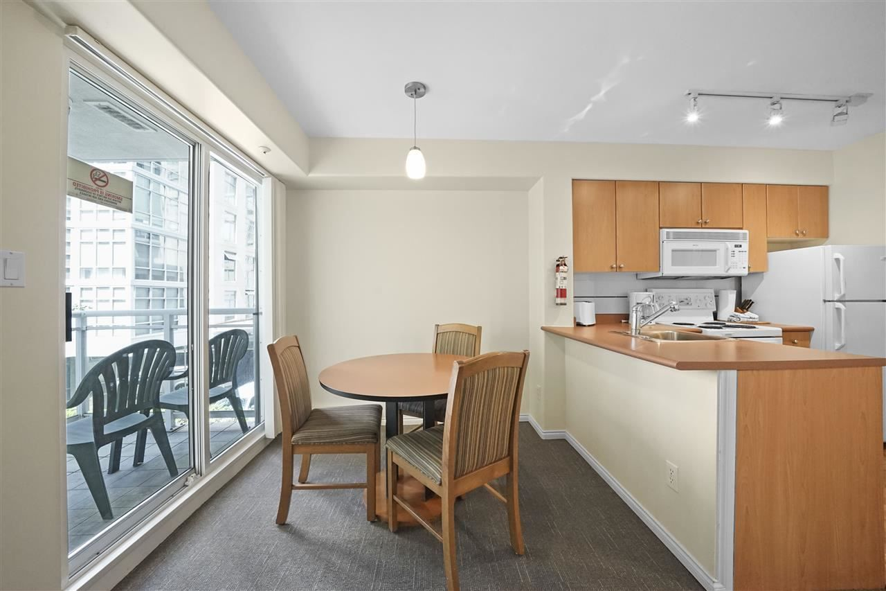 """Photo 9: Photos: 405 910 BEACH Avenue in Vancouver: Yaletown Condo for sale in """"MERIDIAN"""" (Vancouver West)  : MLS®# R2534010"""