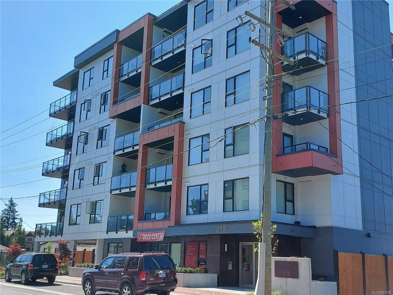 FEATURED LISTING: 503 - 815 Orono Ave