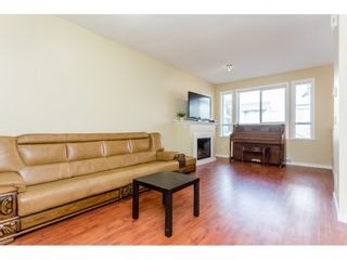 """Photo 4: 26 20159 68 Avenue in Langley: Willoughby Heights Townhouse for sale in """"VANTAGE"""" : MLS®# R2133104"""