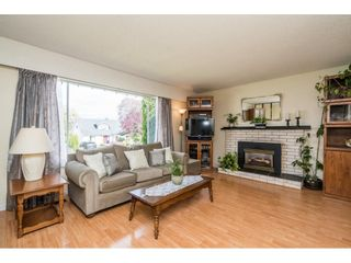 Photo 4: 22908 123RD Avenue in Maple Ridge: East Central House for sale : MLS®# R2571429