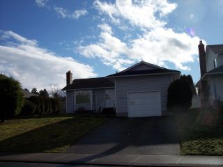 """Photo 1: 32110 ASHCROFT Drive in Abbotsford: Abbotsford West House for sale in """"Fairfield Estates"""" : MLS®# R2034956"""