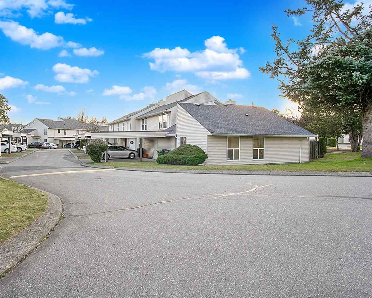 Main Photo: 169 32550 MACLURE Road in Abbotsford: Abbotsford West Townhouse for sale : MLS®# R2550486