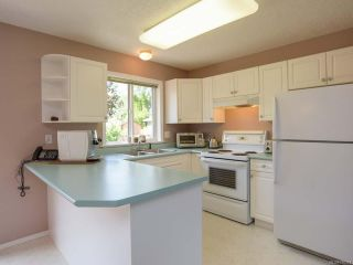 Photo 3: 557 HAIDA STREET in COMOX: CV Comox (Town of) House for sale (Comox Valley)  : MLS®# 796373