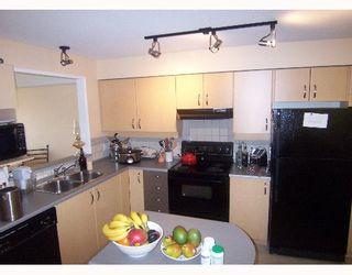 """Photo 3: 10866 CITY Parkway in Surrey: Whalley Condo for sale in """"The Access"""" (North Surrey)  : MLS®# F2705147"""