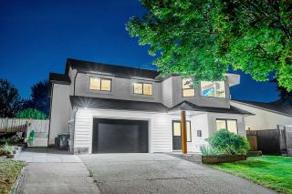 """Photo 1: 19681 WAKEFIELD Drive in Langley: Willoughby Heights House for sale in """"WILLOWBROOK"""" : MLS®# R2611682"""