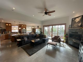 """Photo 12: 6173 MIKA Road in Sechelt: Sechelt District House for sale in """"PACIFIC RIDGE"""" (Sunshine Coast)  : MLS®# R2543749"""