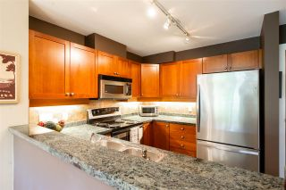 """Photo 5: 401 675 PARK Crescent in New Westminster: GlenBrooke North Condo for sale in """"WINCHESTER"""" : MLS®# R2304752"""