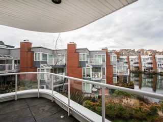 """Photo 4: 201 1551 MARINER Walk in Vancouver: False Creek Condo for sale in """"LAGOONS"""" (Vancouver West)  : MLS®# V1098962"""