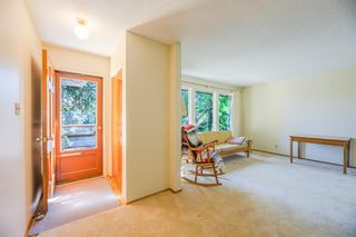 Photo 3: 120 Silver Springs Drive NW in Calgary: Silver Springs Detached for sale : MLS®# A1144635