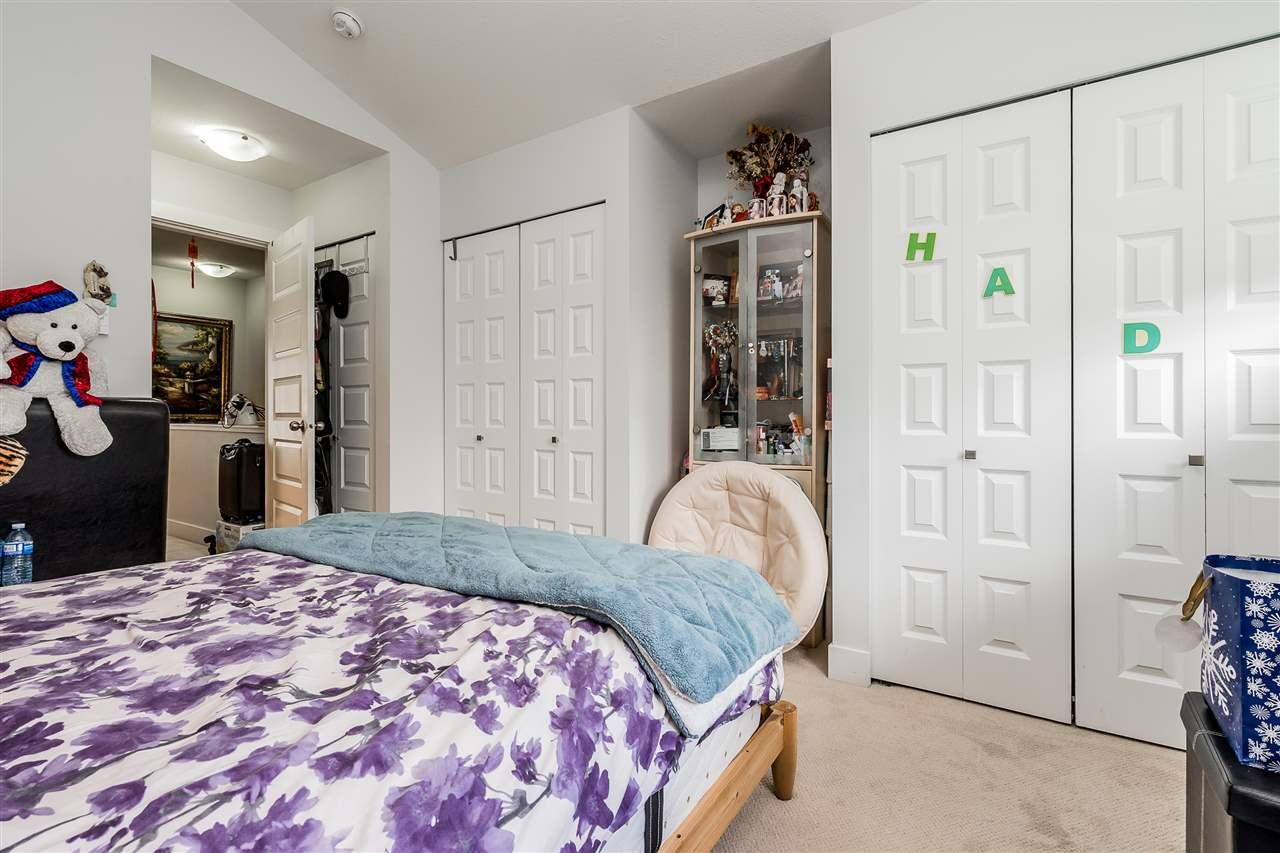 """Photo 16: Photos: 23 14433 60 Avenue in Surrey: Sullivan Station Townhouse for sale in """"BRIXTON"""" : MLS®# R2463220"""
