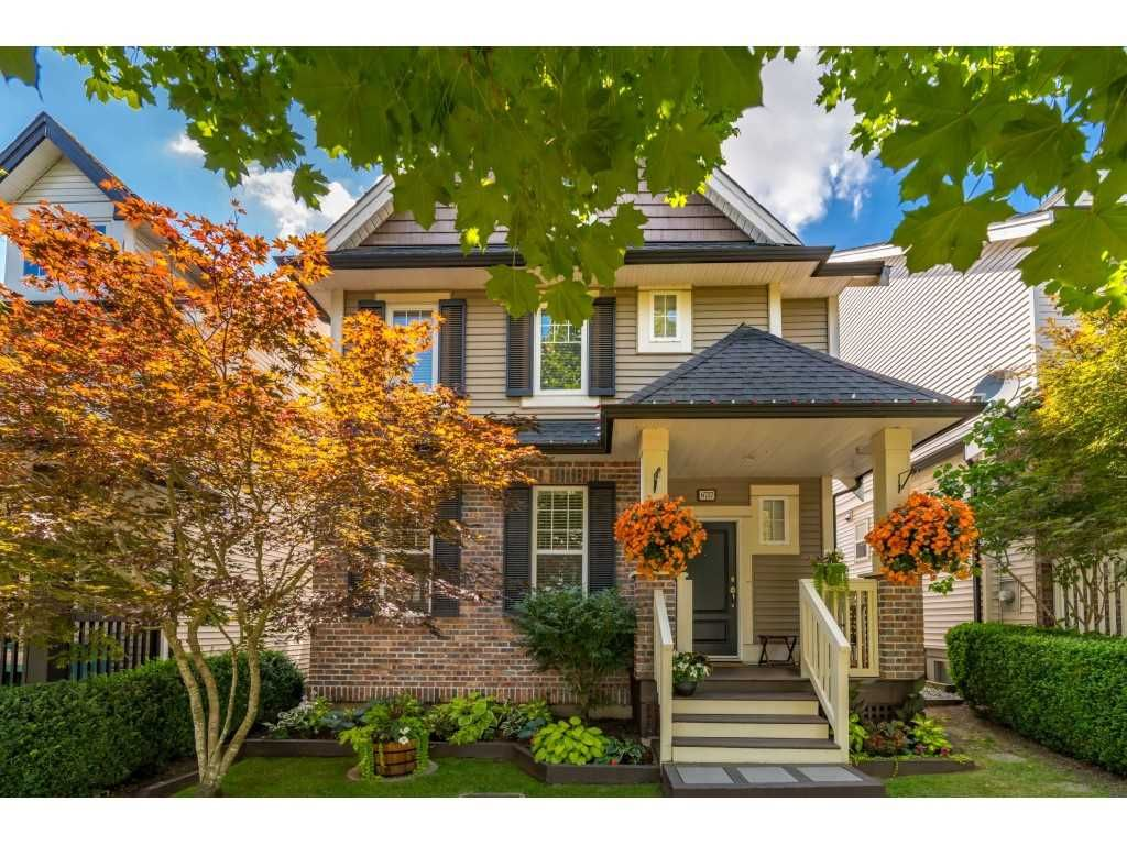 Main Photo: 6757 193A Street in Surrey: Clayton House for sale (Cloverdale)  : MLS®# R2478880