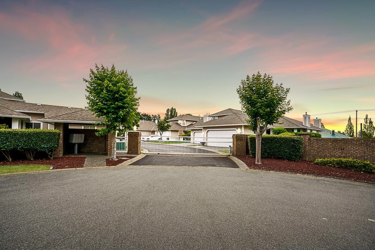"""Main Photo: 5 11965 84A Avenue in Delta: Annieville Townhouse for sale in """"Fir Crest Court"""" (N. Delta)  : MLS®# R2600494"""