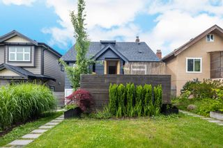Main Photo: 2565 E PENDER Street in Vancouver: Renfrew VE House for sale (Vancouver East)  : MLS®# R2594425