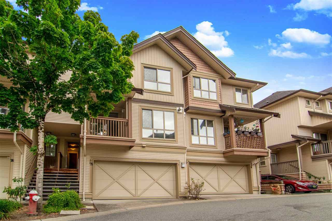 """Main Photo: 75 20350 68 Avenue in Langley: Willoughby Heights Townhouse for sale in """"Sunridge"""" : MLS®# R2494896"""