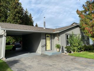 Photo 2: 710 Hemlock Crescent, S in Sicamous: House for sale : MLS®# 10240981