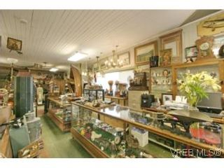 Photo 3: 530 Craigflower Rd in VICTORIA: VW Victoria West House for sale (Victoria West)  : MLS®# 497306