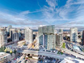 """Photo 11: 2901 1033 MARINASIDE Crescent in Vancouver: Yaletown Condo for sale in """"Quaywest"""" (Vancouver West)  : MLS®# R2439944"""