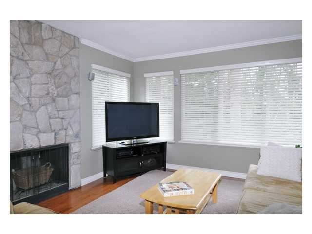 """Main Photo: 4565 ELMGROVE Drive in Burnaby: Greentree Village Townhouse for sale in """"GREENTREE"""" (Burnaby South)  : MLS®# V870251"""