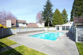 """Photo 17: 6256 W GREENSIDE Drive in Surrey: Cloverdale BC Townhouse for sale in """"GREENSIDE ESTATES"""" (Cloverdale)  : MLS®# R2561874"""