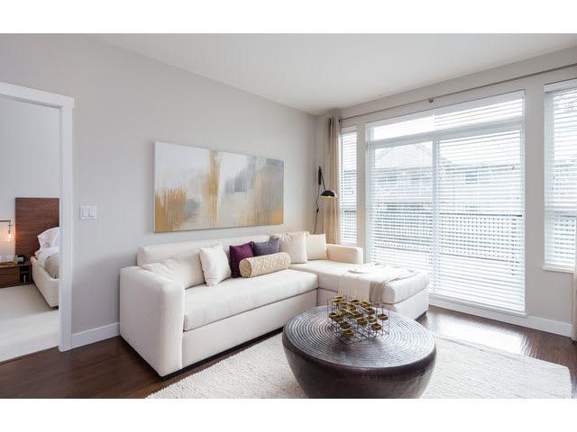 """Photo 5: Photos: 304 15188 29A Avenue in Surrey: King George Corridor Condo for sale in """"SOUTH POINT WALK"""" (South Surrey White Rock)  : MLS®# F1448455"""