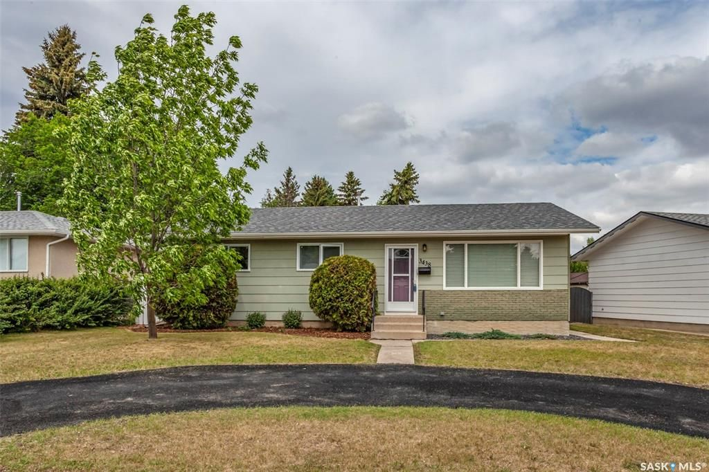 Main Photo: 3438 Centennial Drive in Saskatoon: Pacific Heights Residential for sale : MLS®# SK775907
