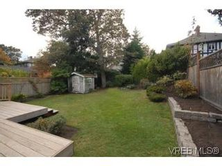 Photo 18: 1044 Redfern St in VICTORIA: Vi Fairfield East House for sale (Victoria)  : MLS®# 518219