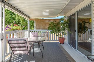 Photo 3: 689 Murrelet Dr in : CV Comox (Town of) House for sale (Comox Valley)  : MLS®# 884096