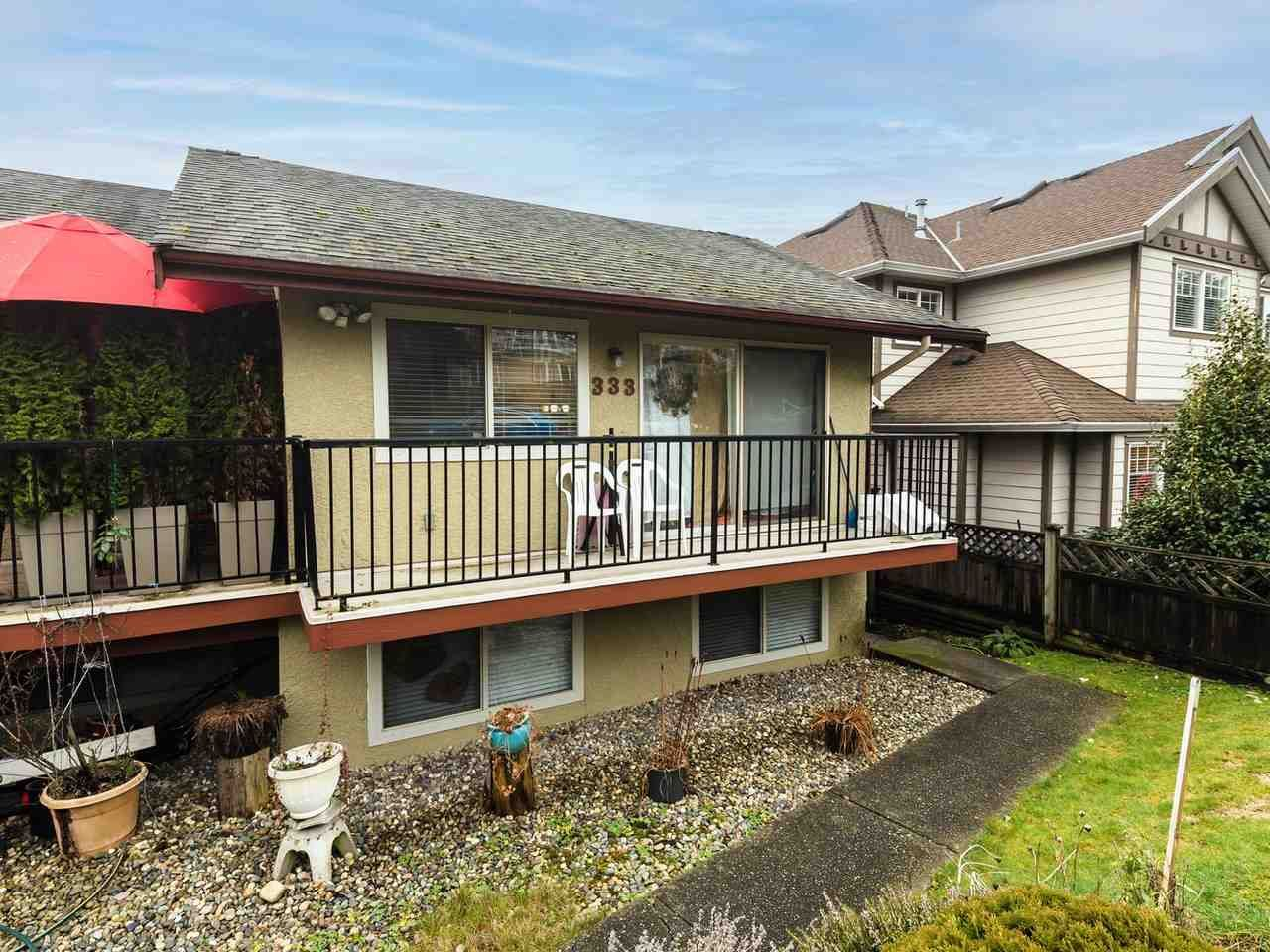 """Main Photo: 333 E 5TH Street in North Vancouver: Lower Lonsdale 1/2 Duplex for sale in """"LOWER LONSDALE"""" : MLS®# R2529429"""