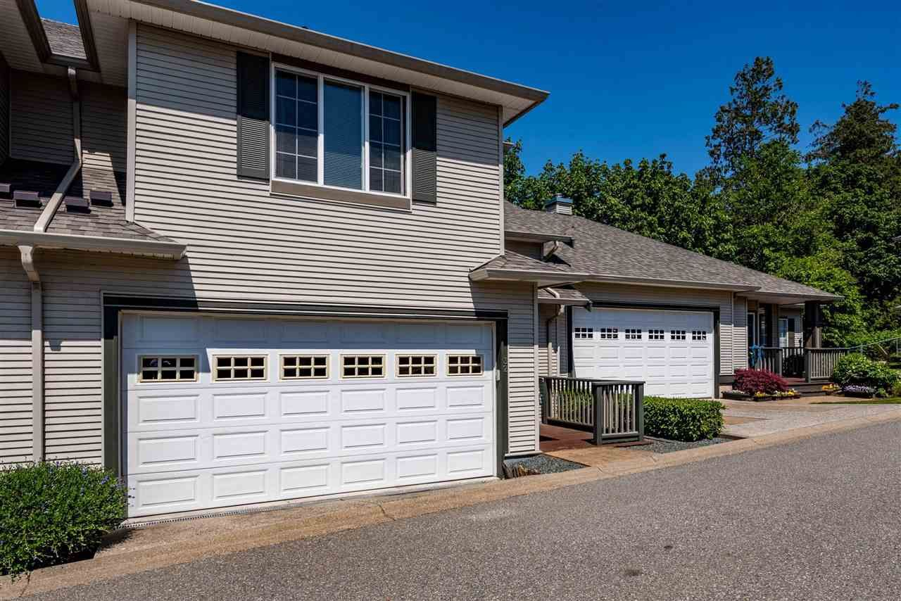 """Main Photo: 32 2088 WINFIELD Drive in Abbotsford: Abbotsford East Townhouse for sale in """"The Plateau at Winfield"""" : MLS®# R2582957"""