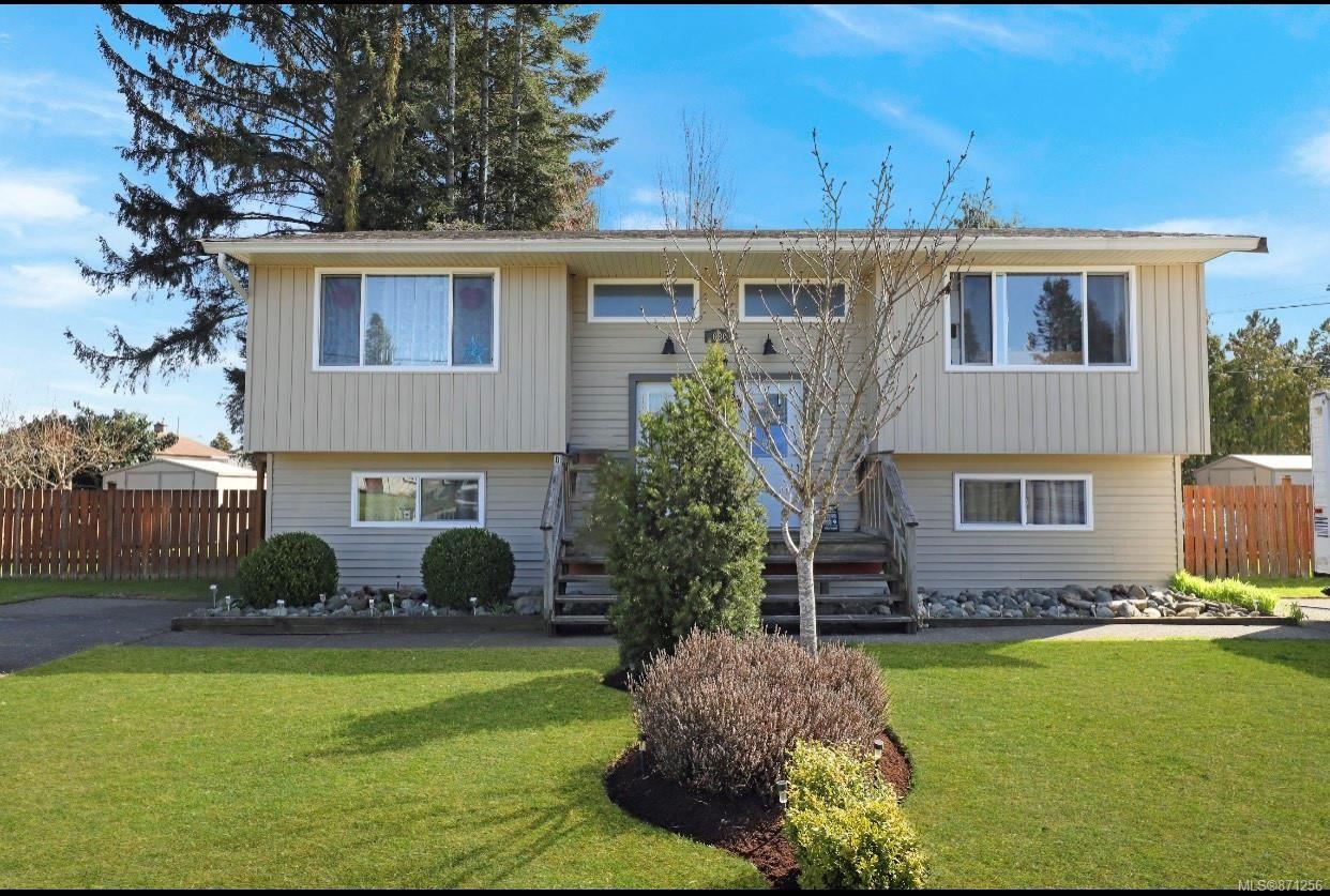 Main Photo: 680 23rd St in Courtenay: CV Courtenay City Full Duplex for sale (Comox Valley)  : MLS®# 871256