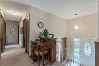 Photo 2: 623 HUNTERFIELD Place NW in Calgary: Huntington Hills Detached for sale : MLS®# C4258637