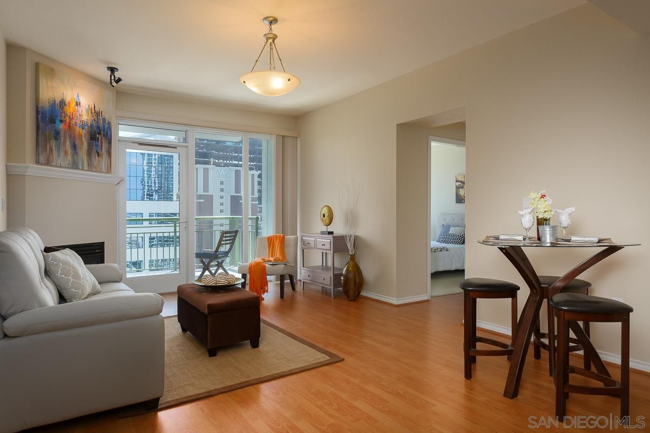 Main Photo: DOWNTOWN Condo for sale : 1 bedrooms : 1240 India St #1604 in San Diego