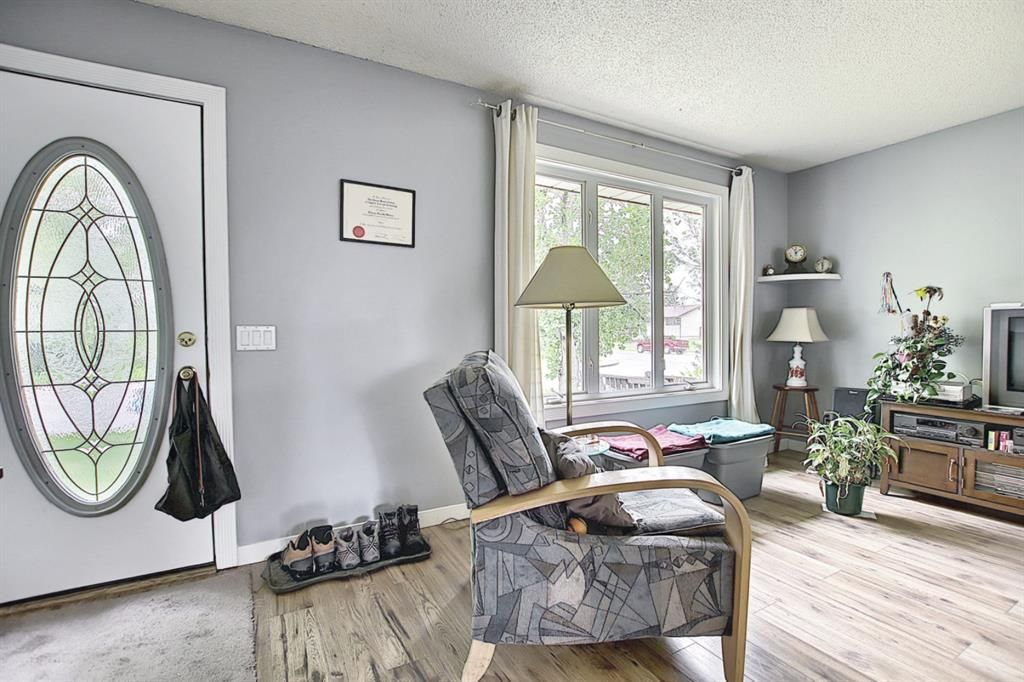 Main Photo: 1308 Pennsburg Road SE in Calgary: Penbrooke Meadows Detached for sale : MLS®# A1119031