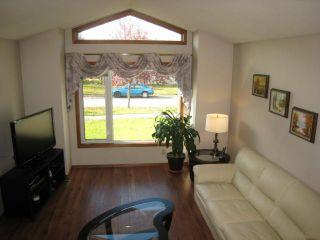 Photo 2: 71 MALMSBURY Avenue in WINNIPEG: St Vital Residential for sale (South East Winnipeg)  : MLS®# 1019316