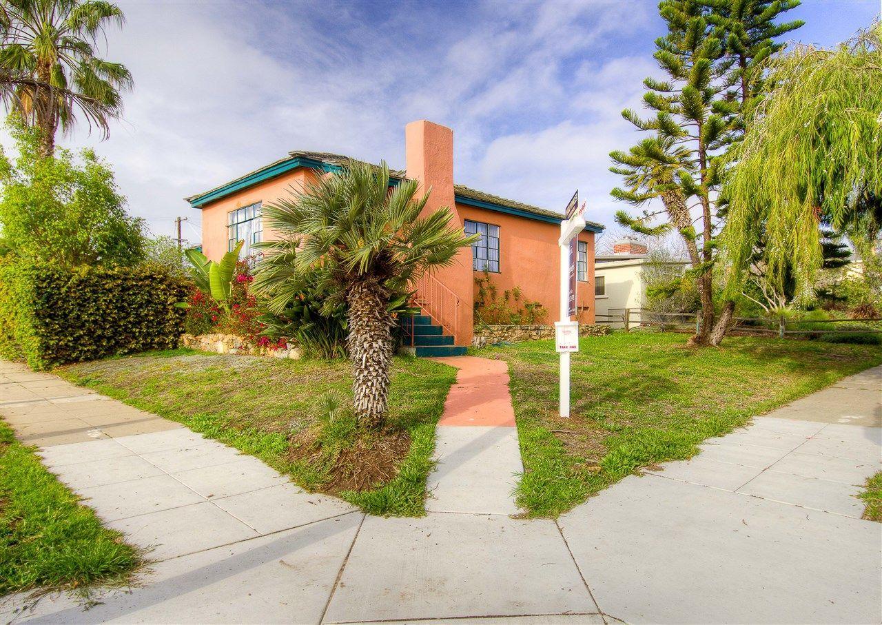 Main Photo: OCEAN BEACH House for sale : 2 bedrooms : 4303 Santa Cruz Ave in San Diego